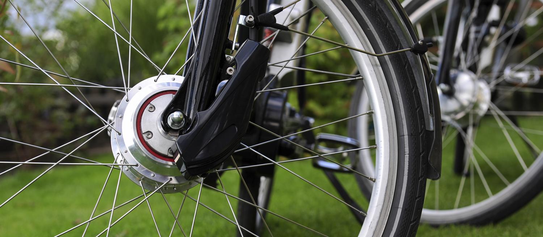 vélo électrique moteur dans la roue ou moteur pédalier