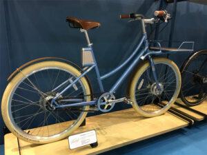 Vélo de ville vintage avec un courroie
