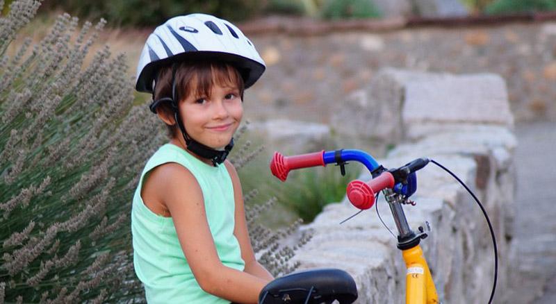 Règles de sécurité pour les enfants à vélo