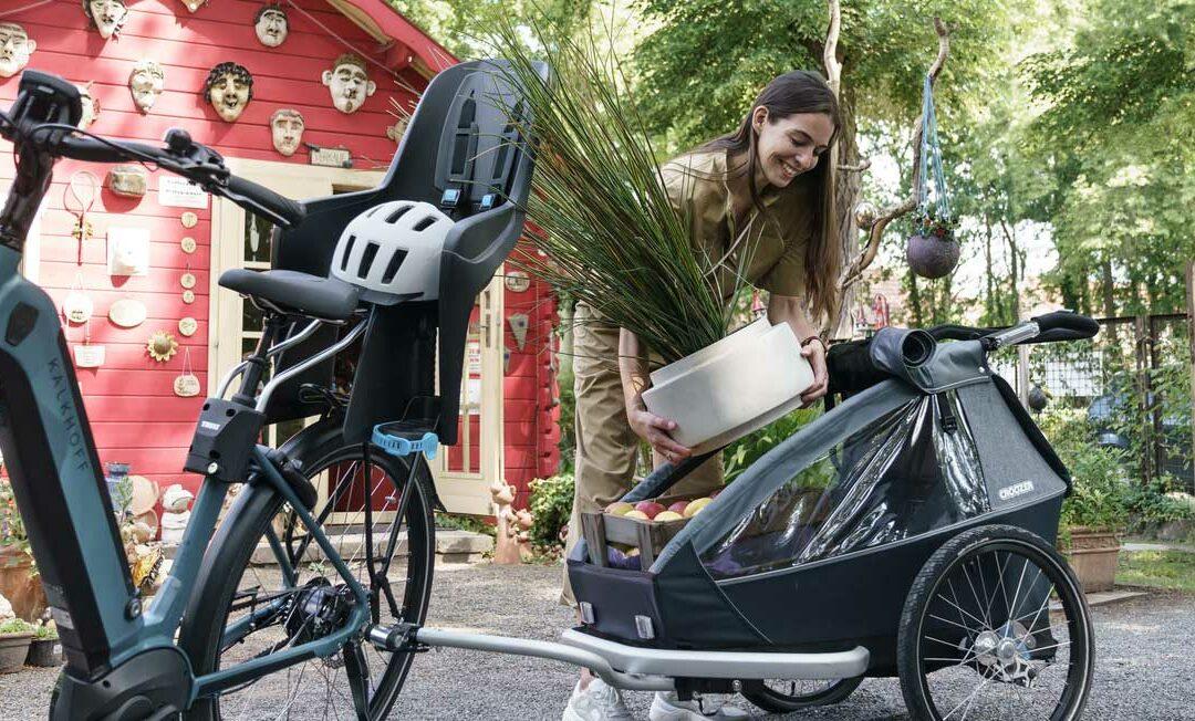 Comment bien s'équiper quand on se déplace en vélo électrique ? 7 équipements indispensables